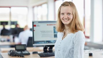 Ansprechpartnerin für die Auftragsabwicklung von Projektgeschäften: Stefanie Kunz